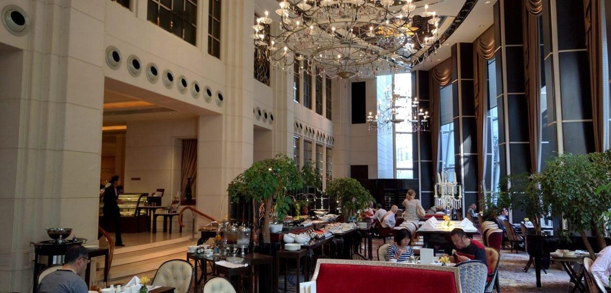 Lobby des St. Regis Hotel Singapur