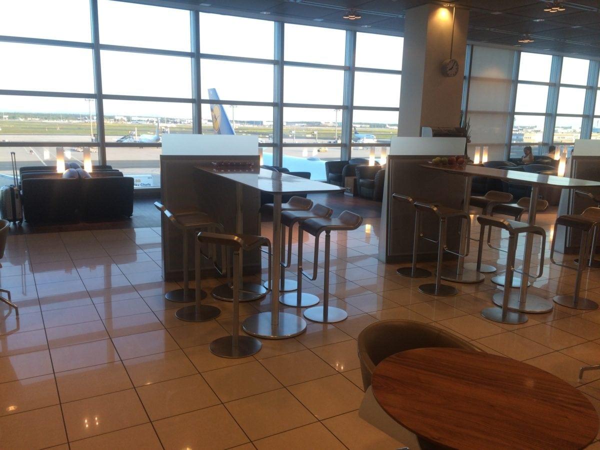 Lufthansa Senator Lounge Terminal 1 C – Bartische
