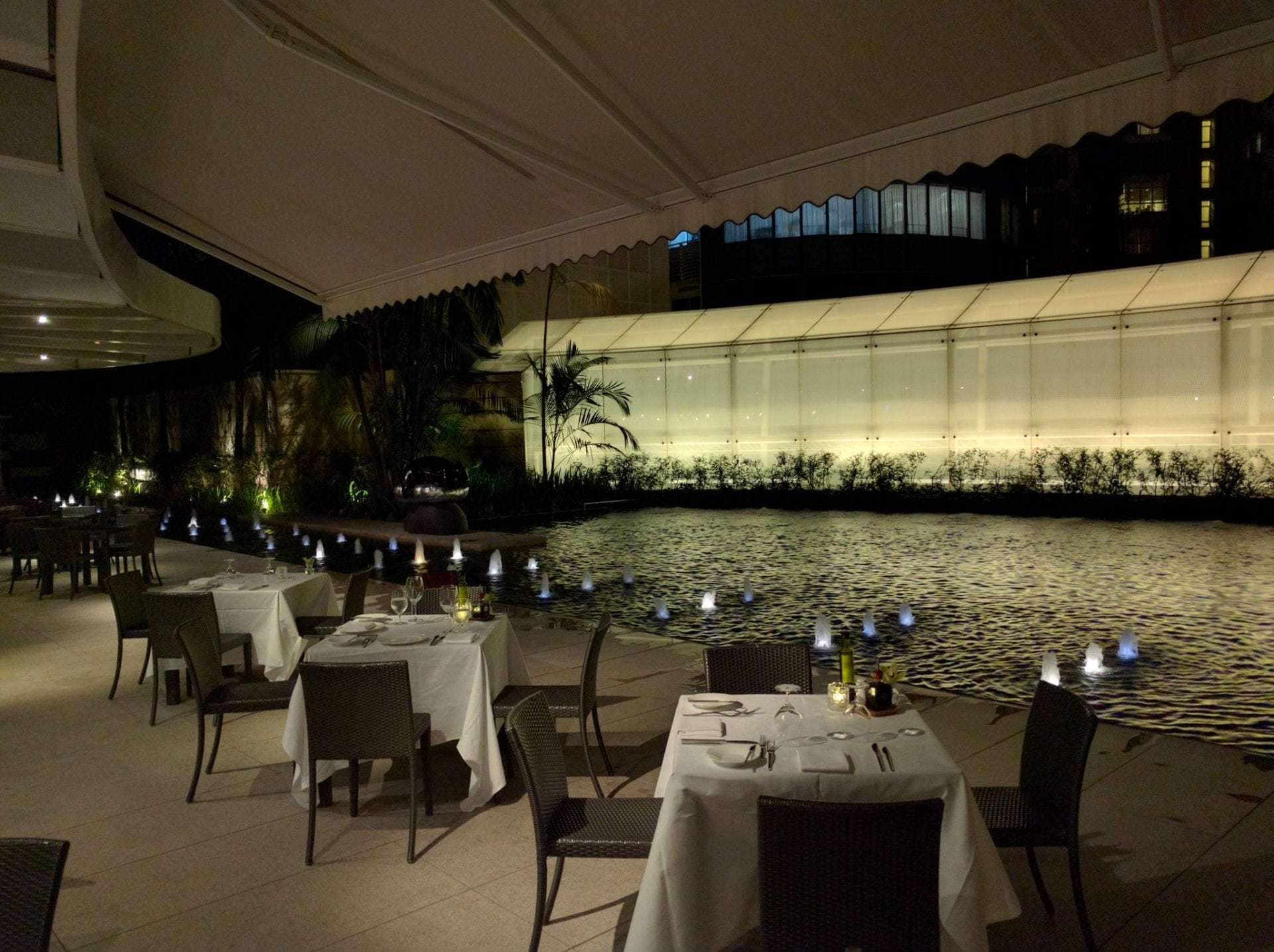 St. Regis Singapore Pool