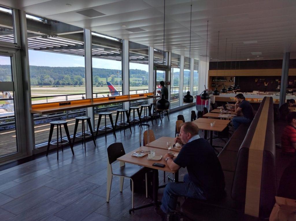 Swiss Senator Lounge Zürich E Blick