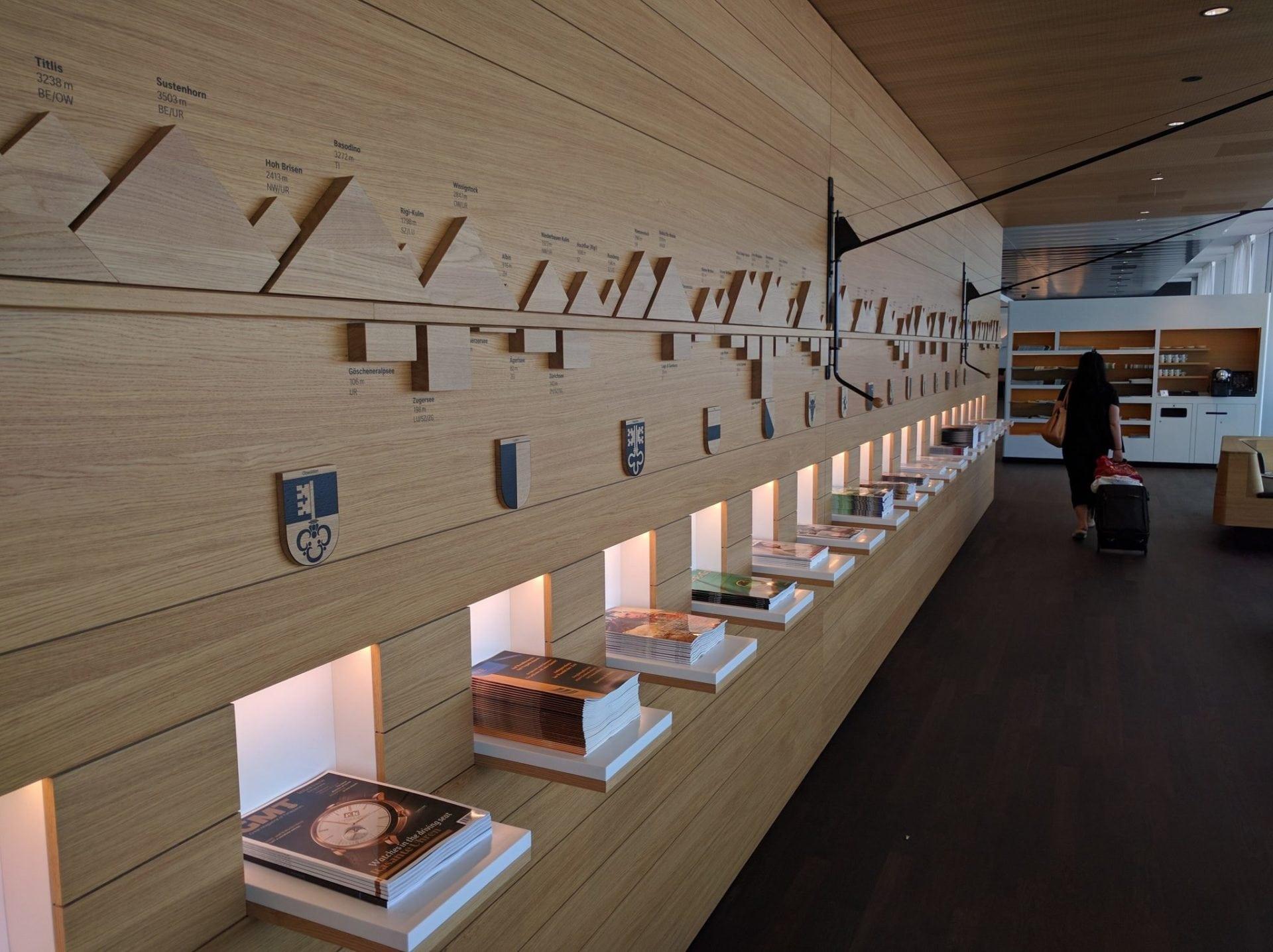 Swiss Senator Lounge Zürich E Wand