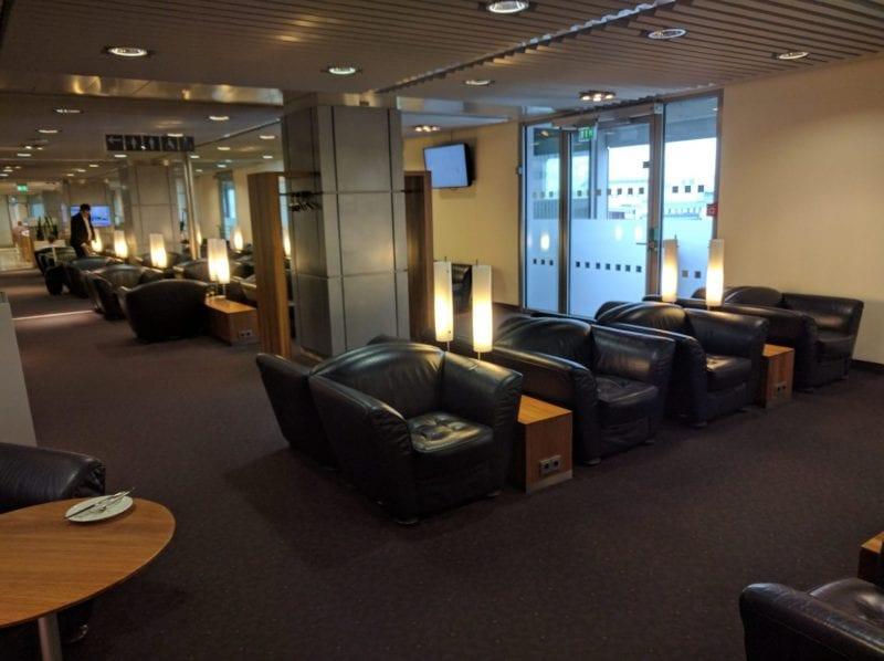 Lufthansa Senator Lounge Düsseldorf Sitzgelegenheiten (2)