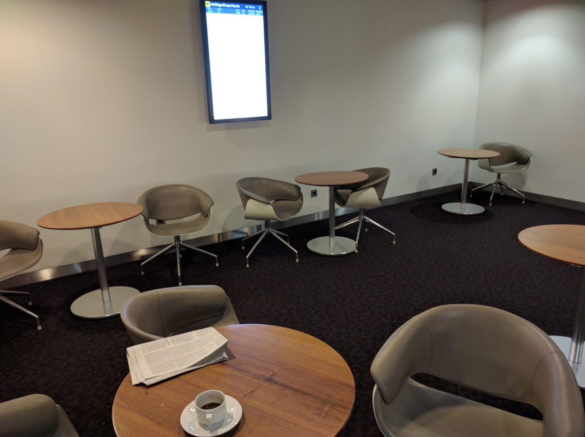 Lufthansa Senator Lounge Düsseldorf Stühle