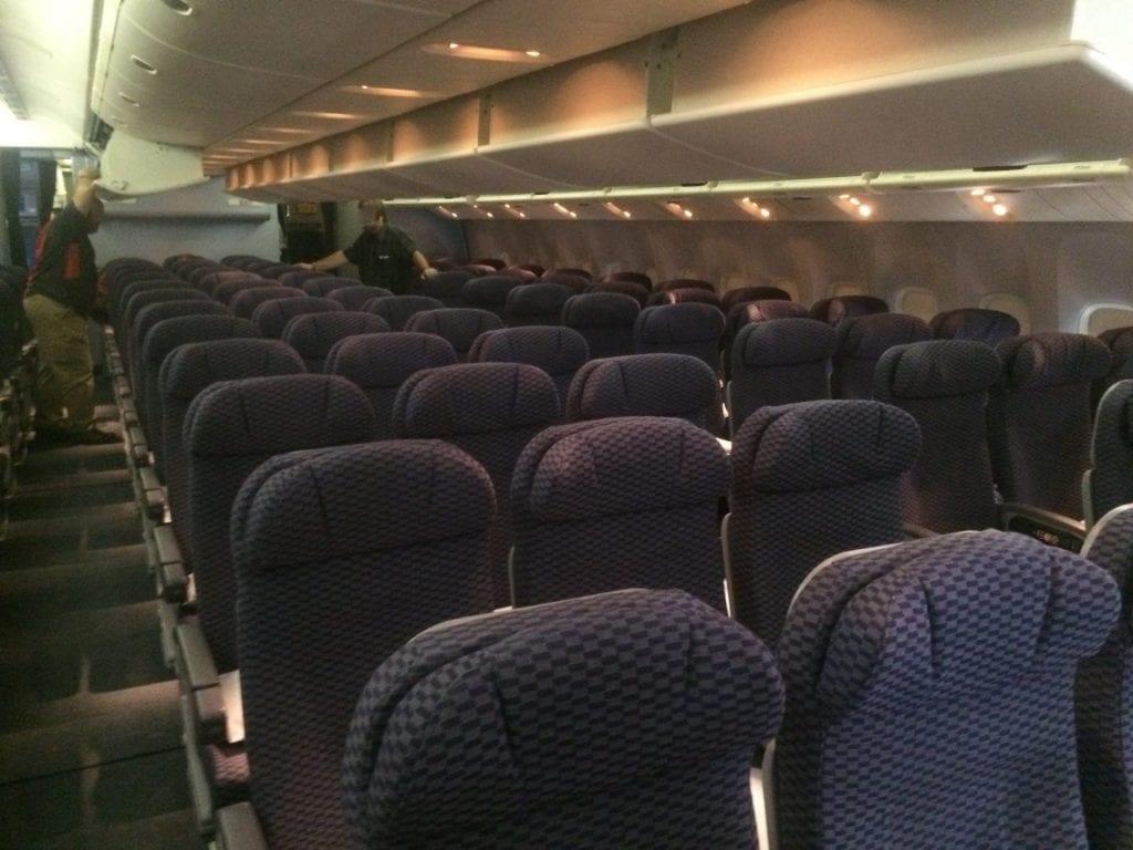 United Economy Class Boeing 777 (2)