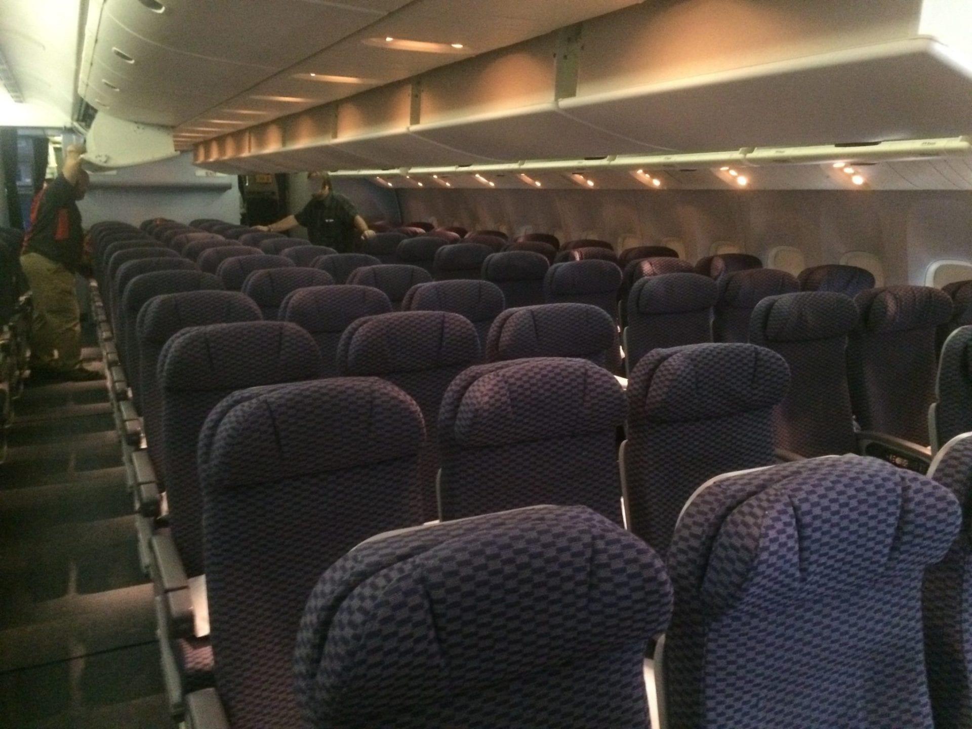 Economy Class in der Boeing 777 von United
