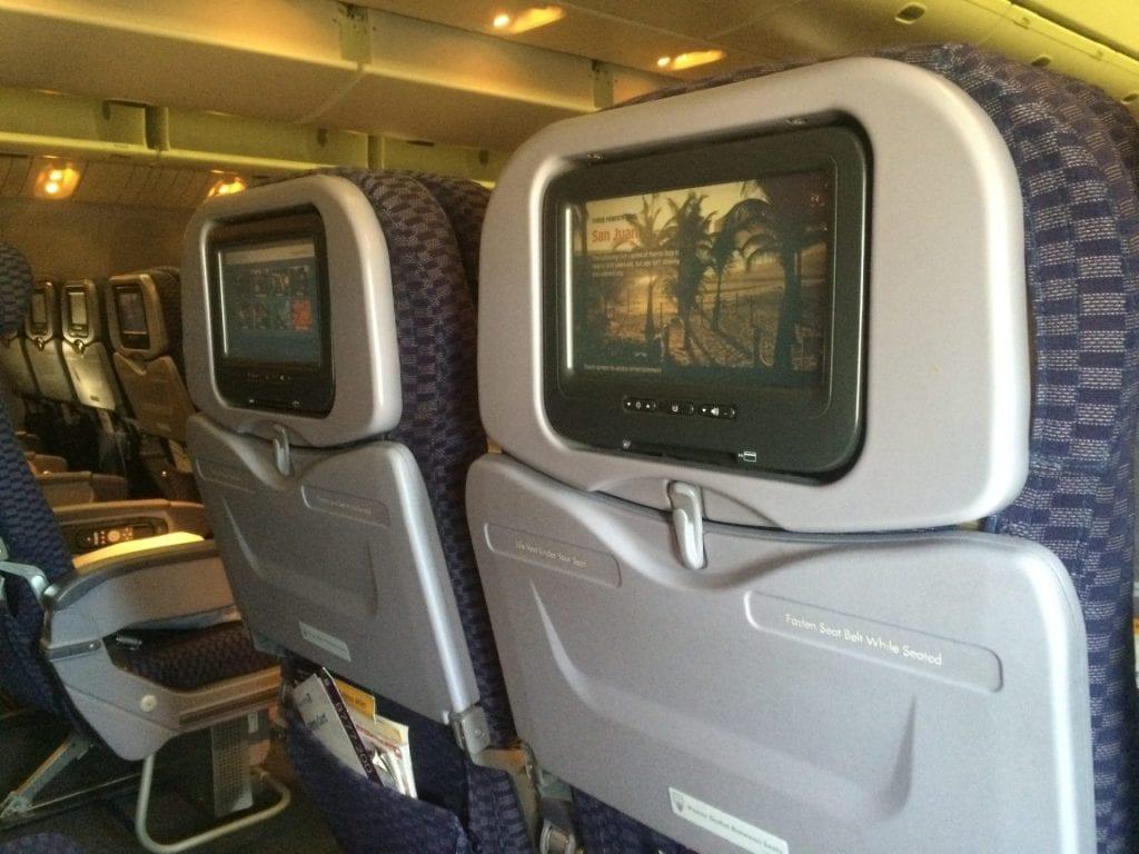 United Economy Class Boeing 777 (9)