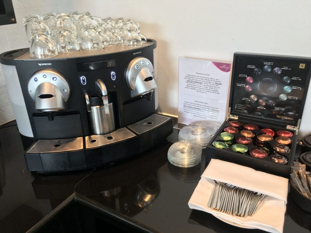 crowne plaza berlin potsdamer platz club lounge kaffee