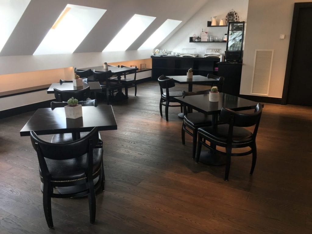crowne plaza berlin potsdamer platz club lounge sitzgelegenheiten 2
