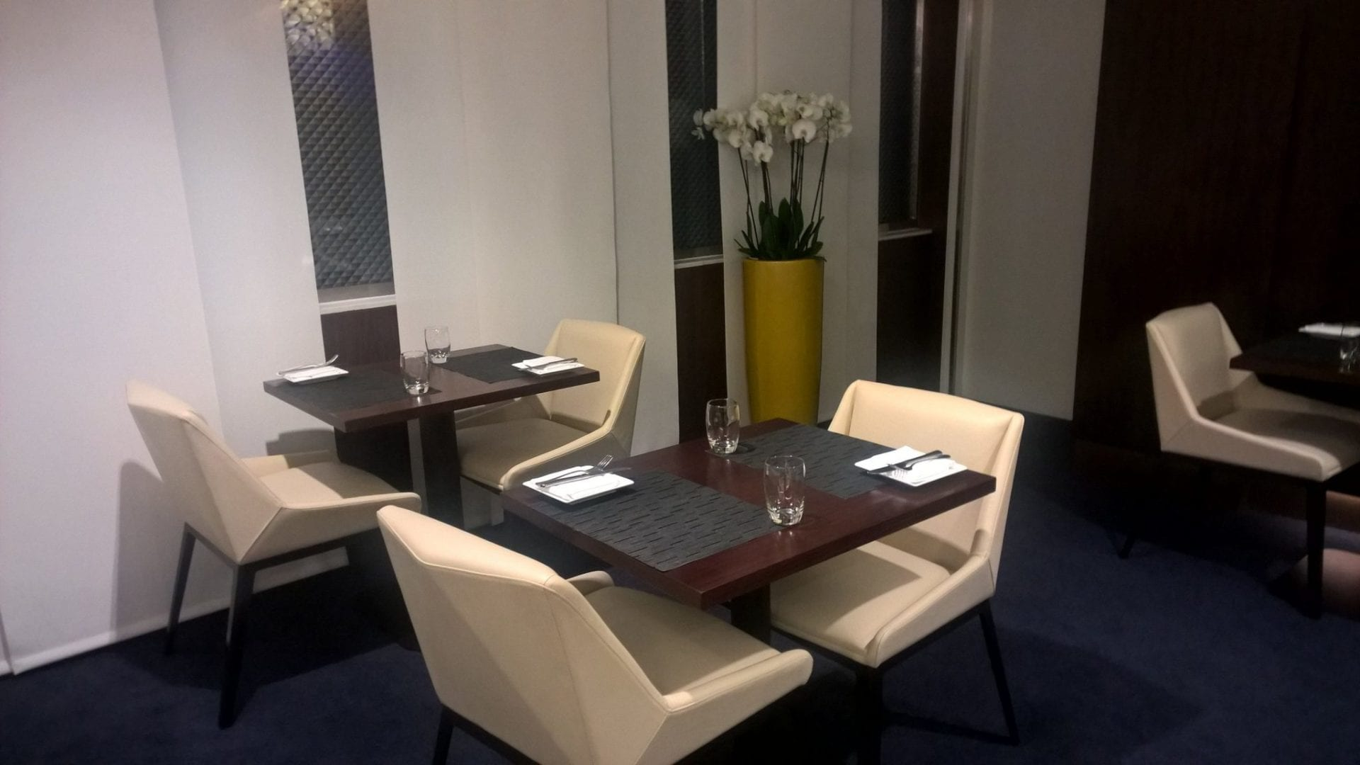 dining-table-etihad-abu-dhabi-t1-new