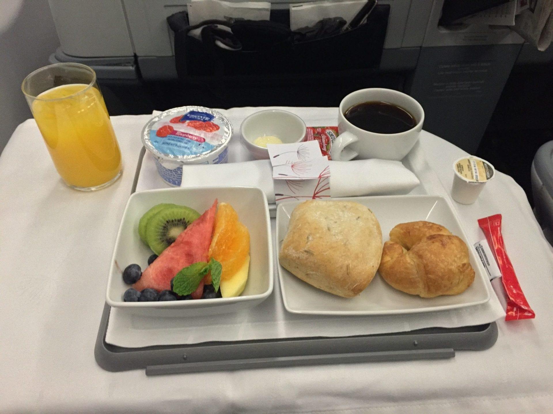 TAP Portugal Business Class A330 Frühstück