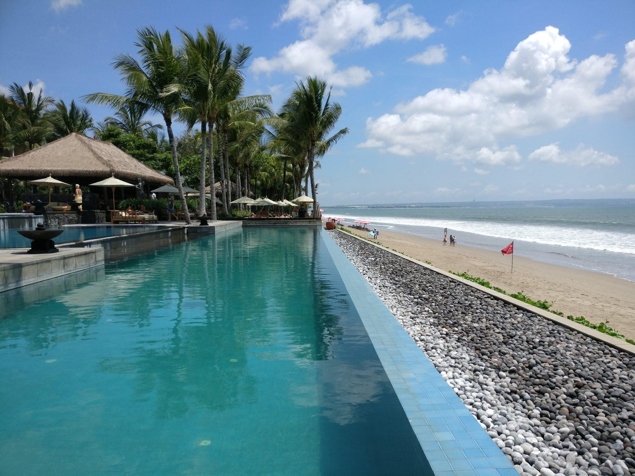 the-legian-bali-beach