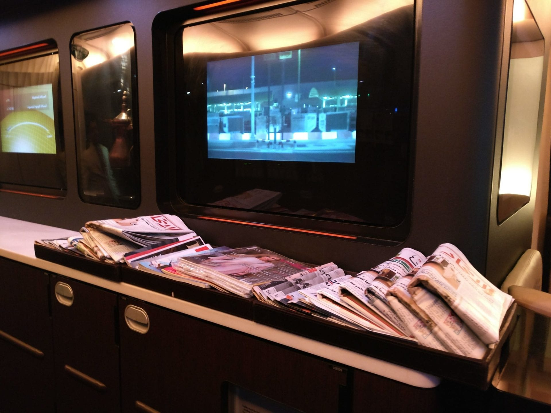 newspapers-etihad-a380-business-class