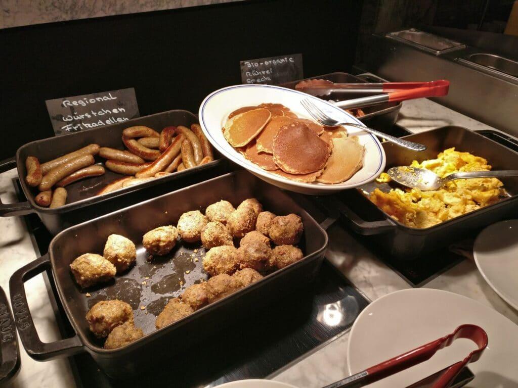 Reichshof Hamburg Breakfast 3