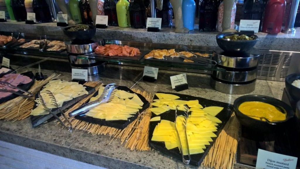 Conrad Dubai Frühstück