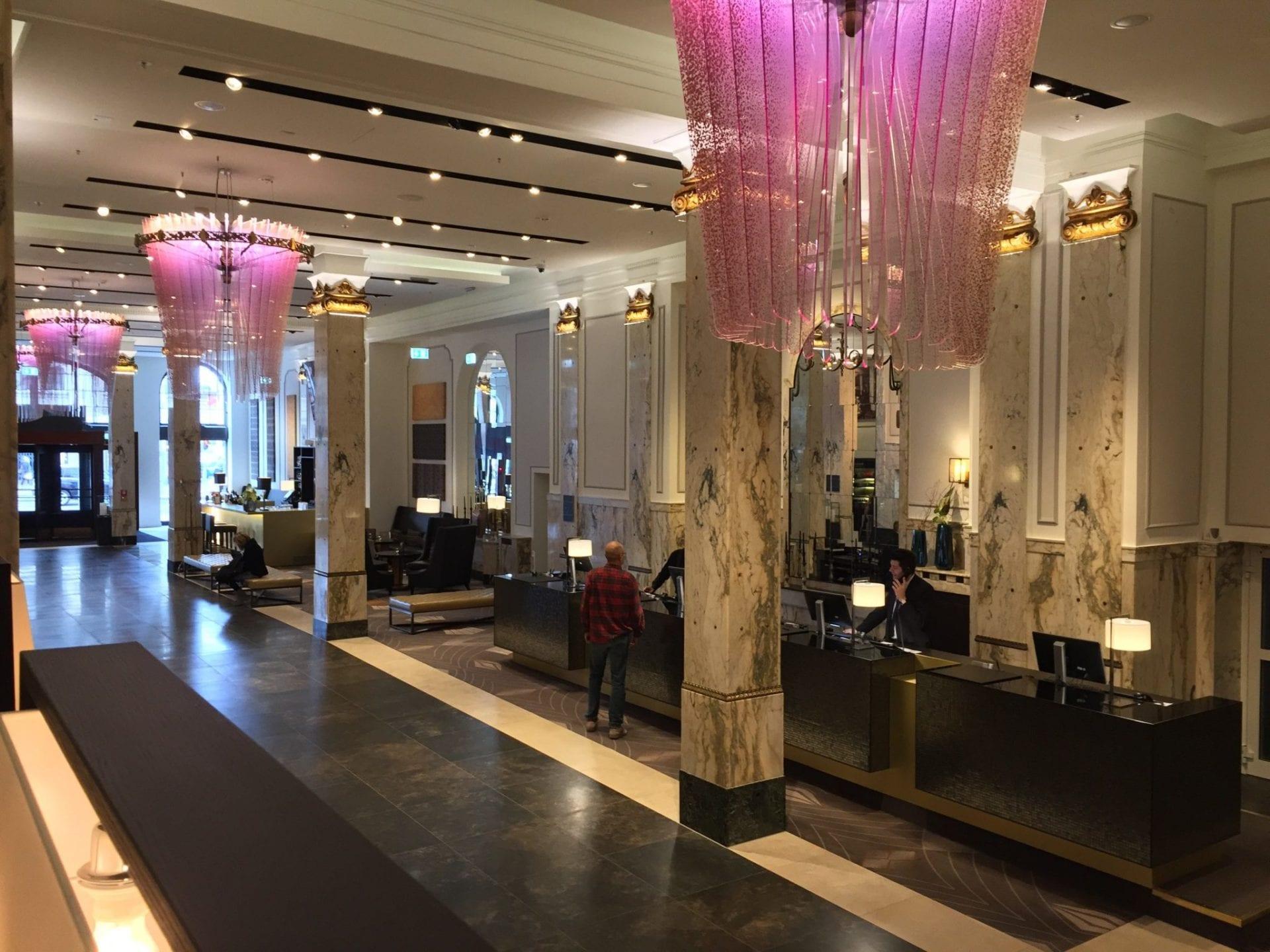 reichshof-hamburg-lobby
