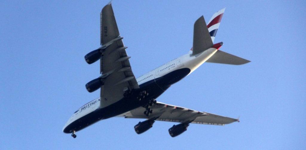 british airways flugzeug schmal