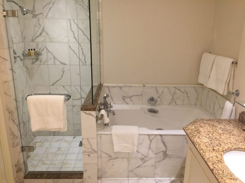 intercontinental-dublinbathroom1