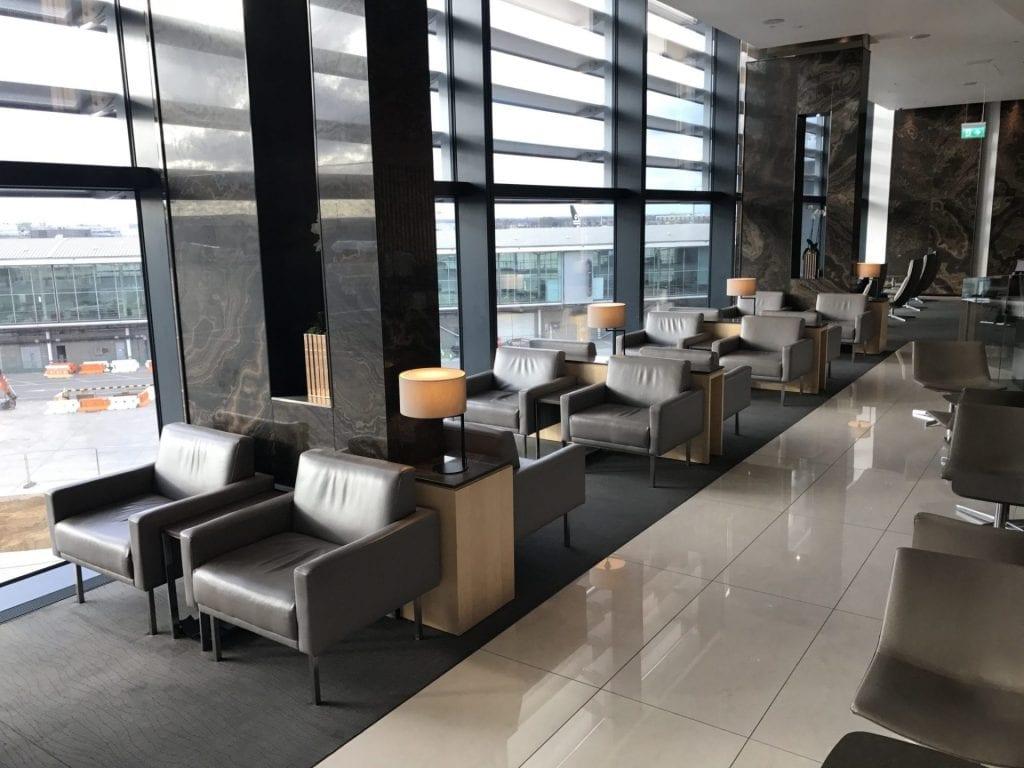 Air Canada Maple Leaf Lounge London Heathrow Sitzmöglichkeiten 2