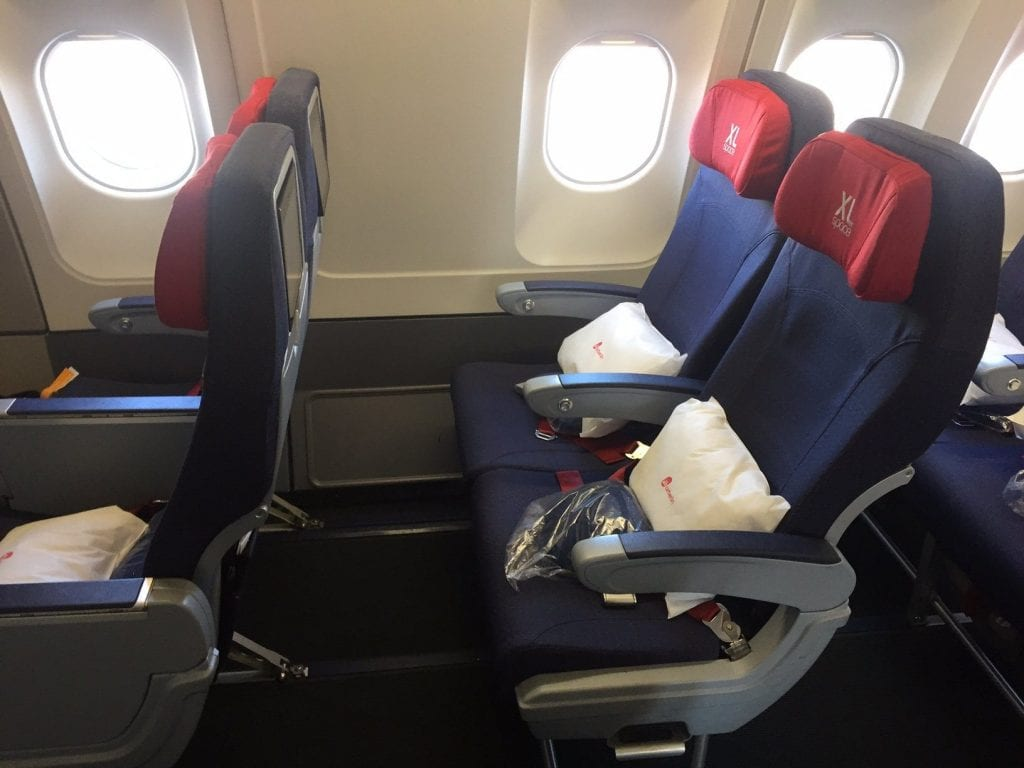 review airberlin economy class airbus a330 was bot die airline. Black Bedroom Furniture Sets. Home Design Ideas
