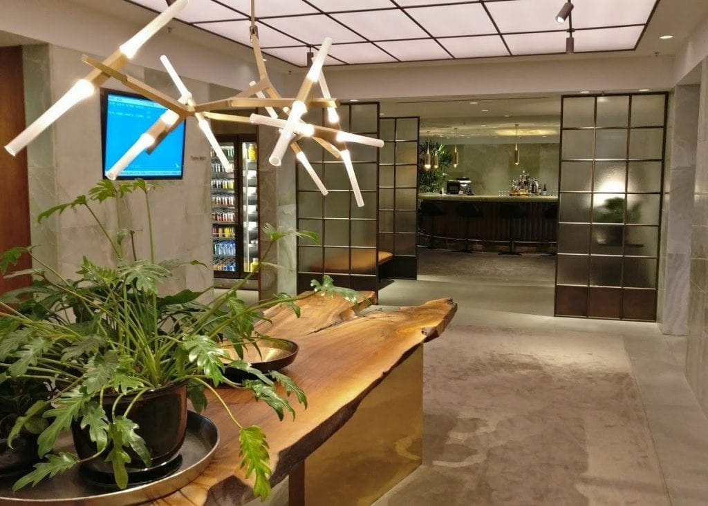 cathay pacific the pier first class lounge hong kong entrance 3