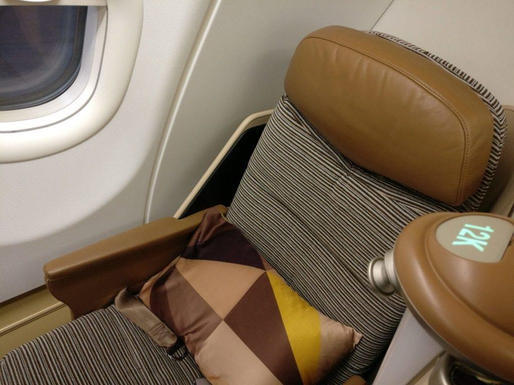Etihad Business Class Airbus A340-600 Sitz
