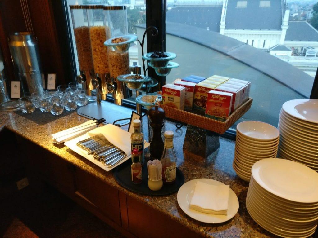 hilton hanoi opera executive lounge frühstück 3