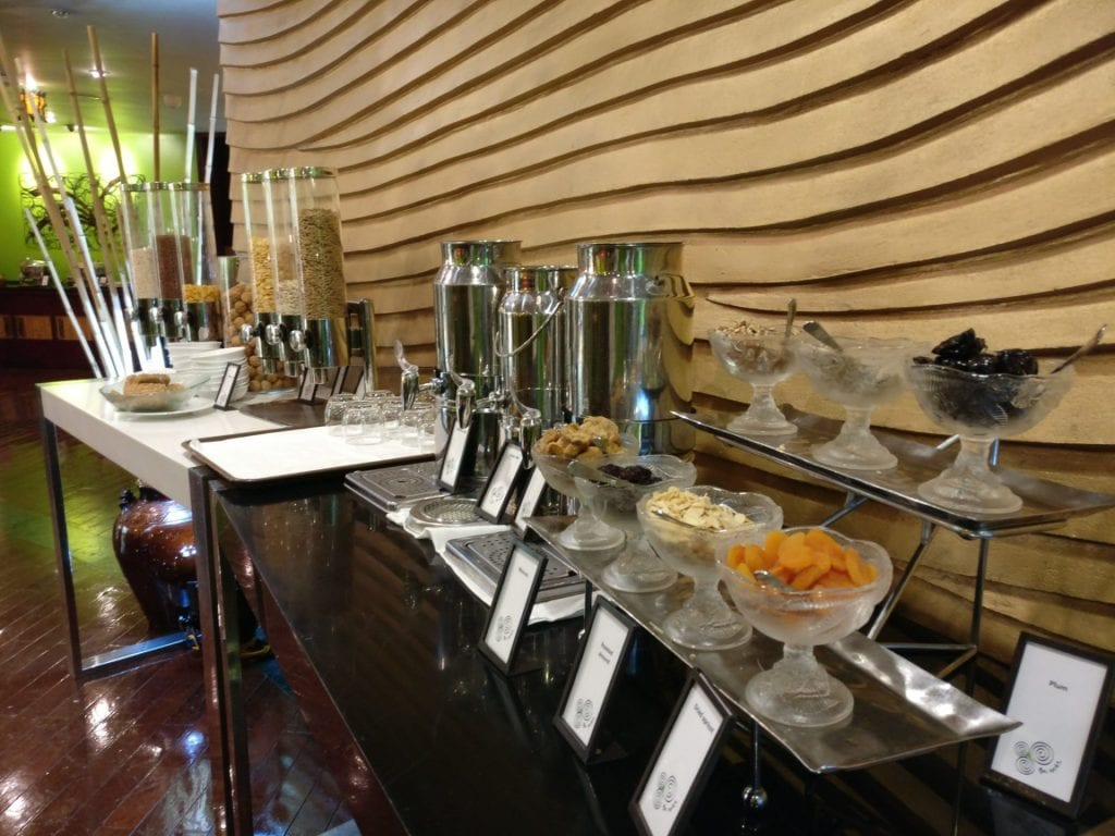hilton hanoi opera frühstück restaurant 2