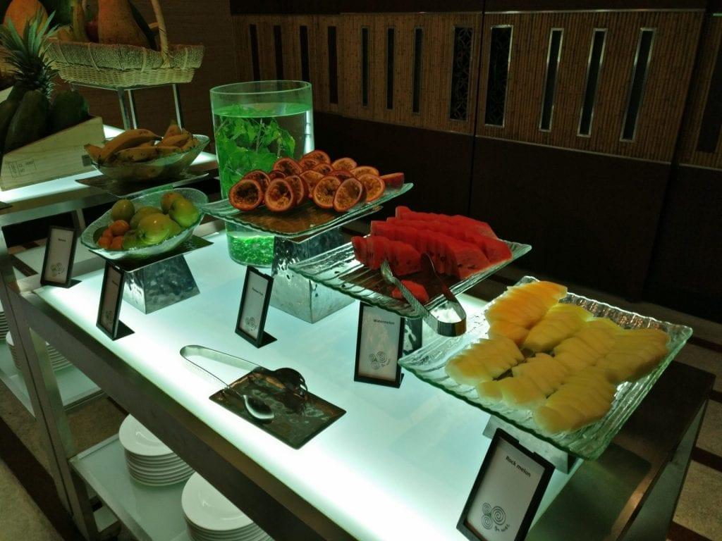 hilton hanoi opera frühstück restaurant 5