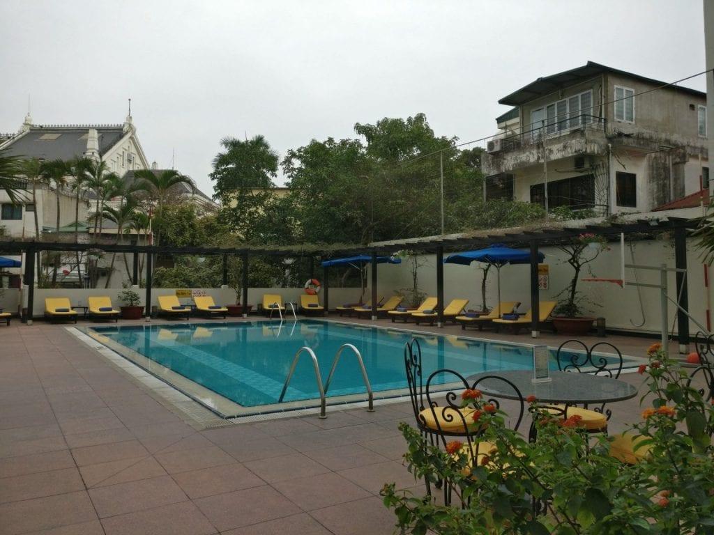 Hilton hanoi opera pool 2