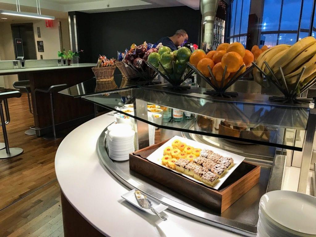 Lufthansa Senator Lounge Buffet 3
