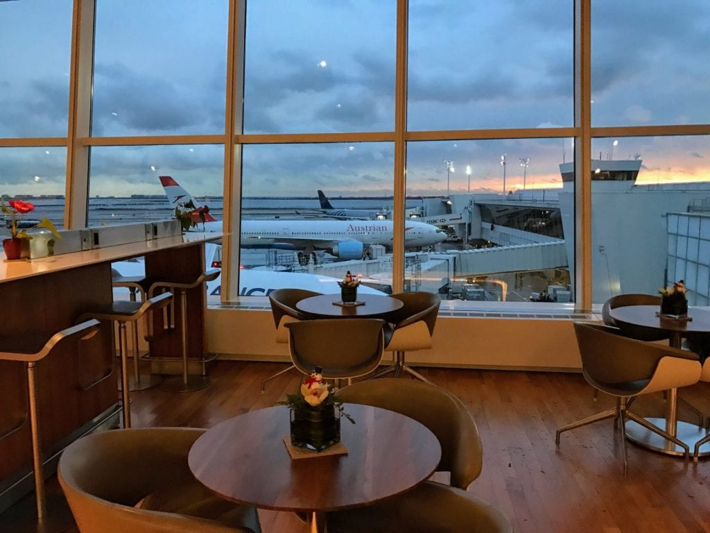 Lufthansa Senator Lounge JFK Sitzmoeglichkeiten 4