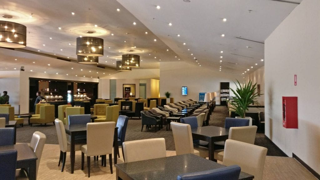 malaysia-airlines-golden-lounge-kuala-lumpur-business