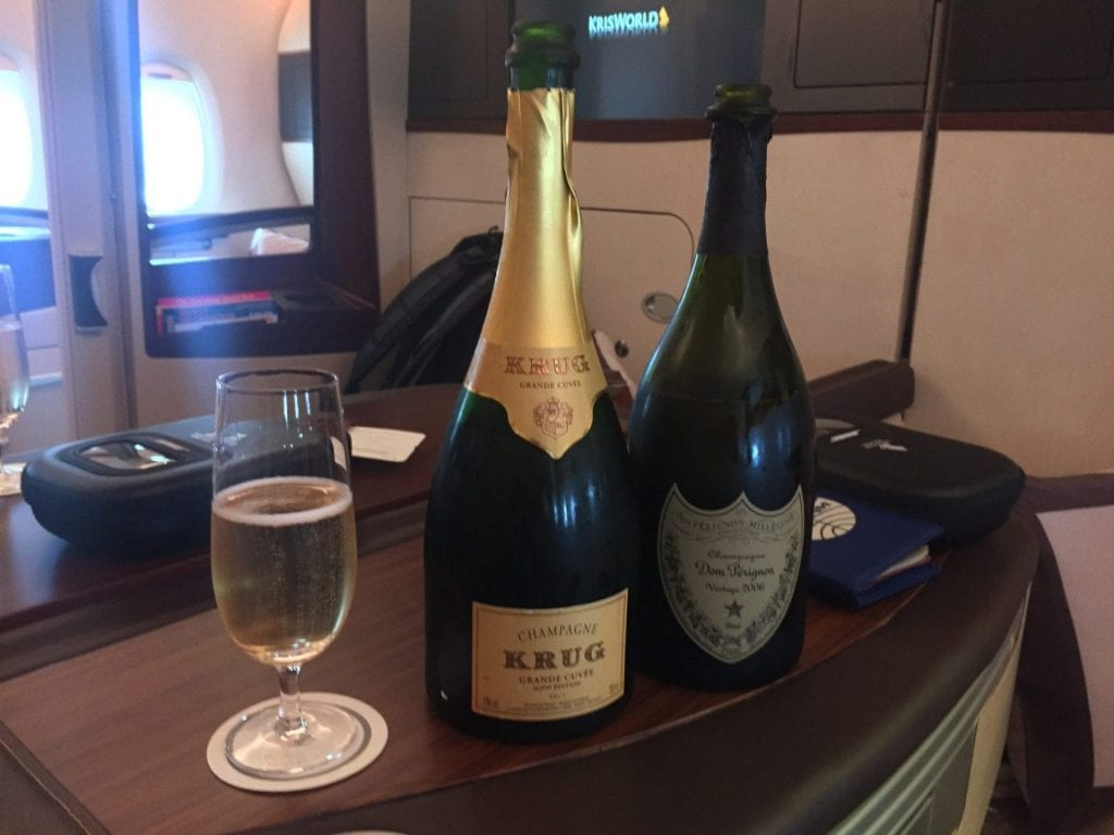 Singapore Airlines Suites Class Champagner