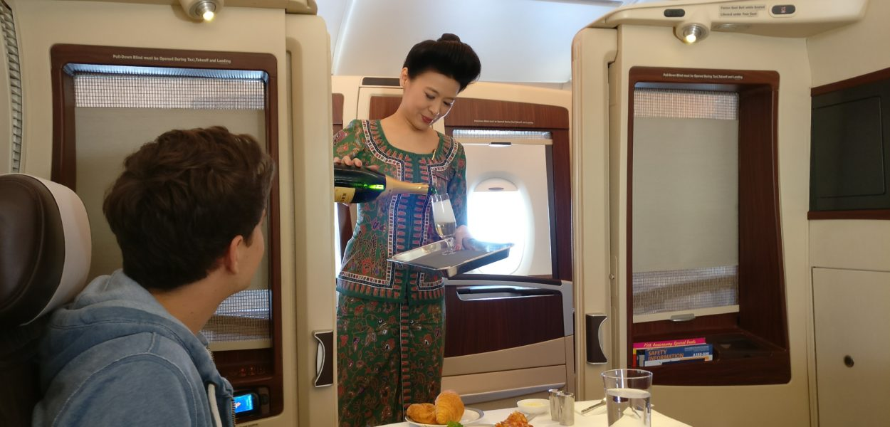 singapore airlines airbus a380 first suites class service