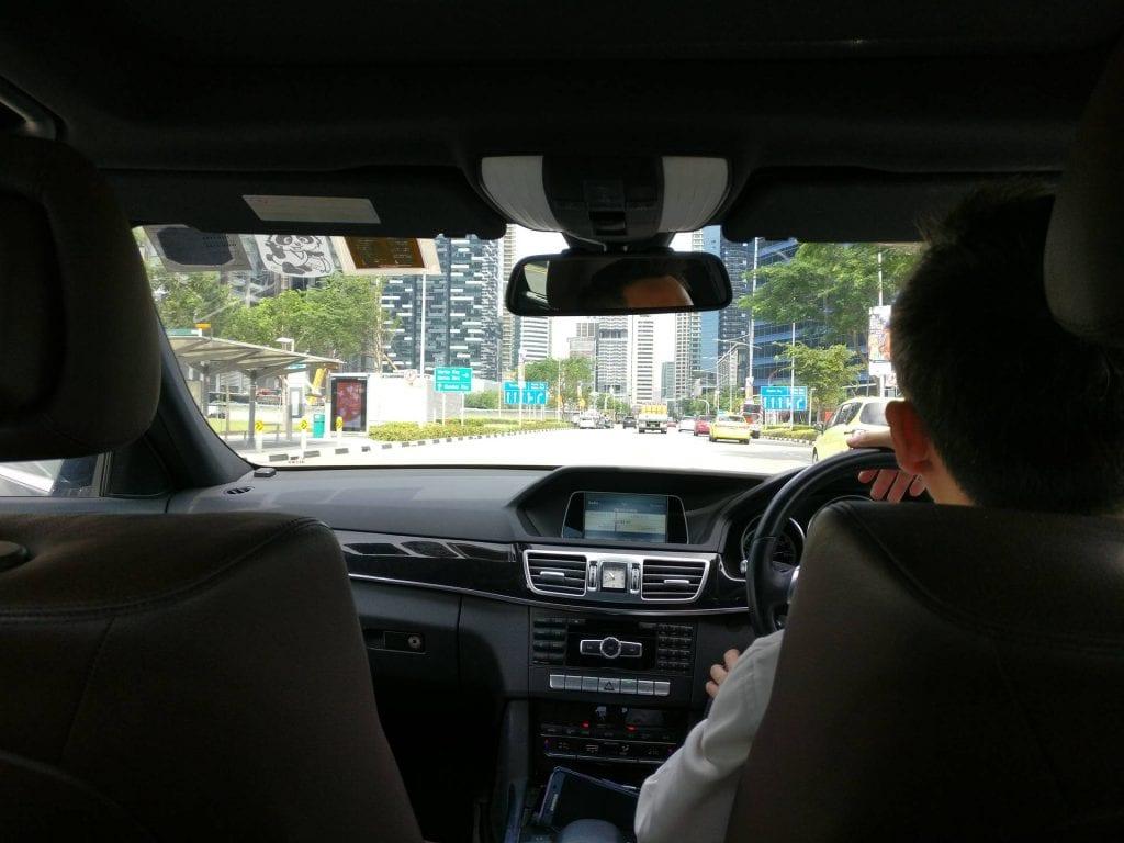 singapur changi airport etihad chauffeur auto fahrt