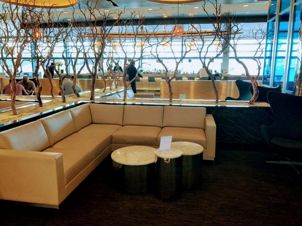 United Club London Heathrow Terminal 2B Sitzmöglichkeiten 5