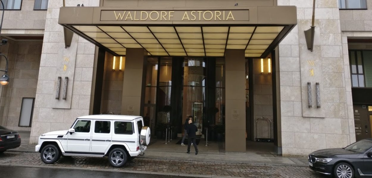 waldorf astoria berlin eingang