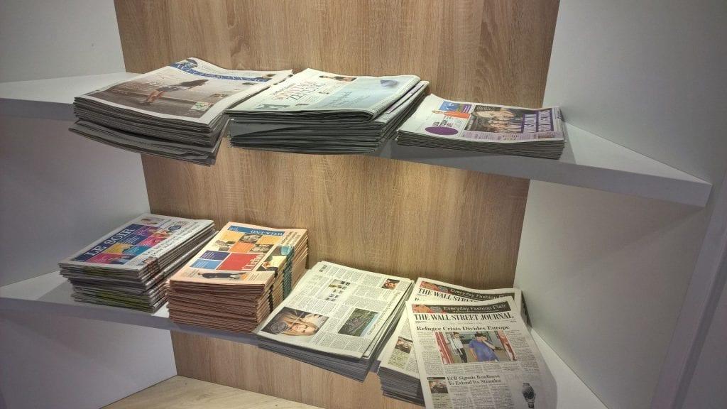 The Loft Brüssel Zeitungen