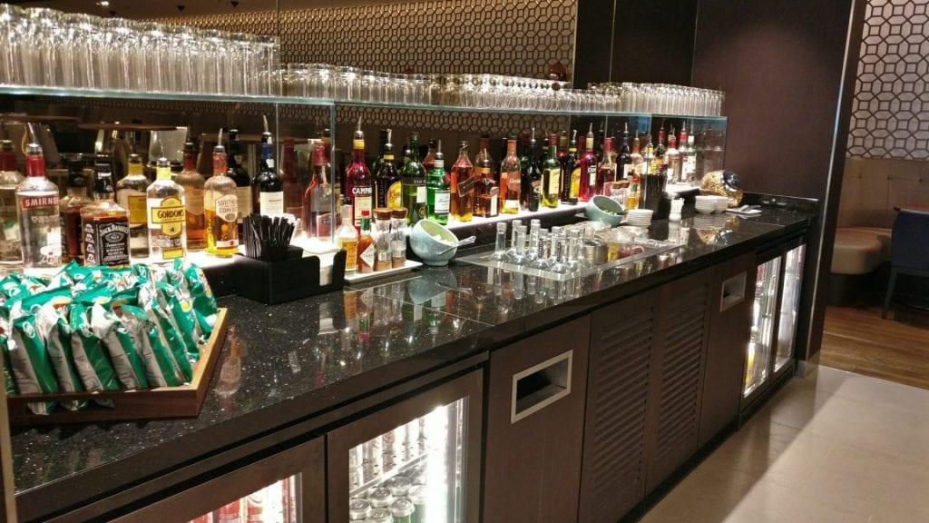 british-airway-lounge-singapore-bar