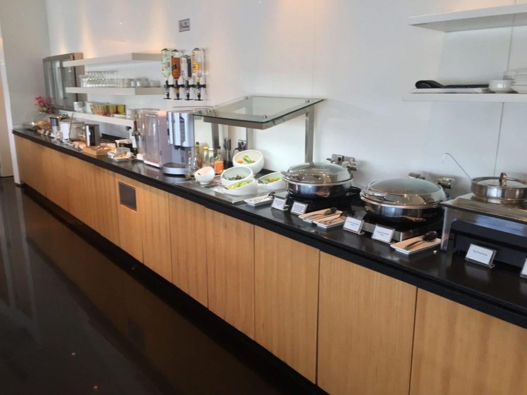 cathay-pacific-lounge-kuala-lumpur-buffet