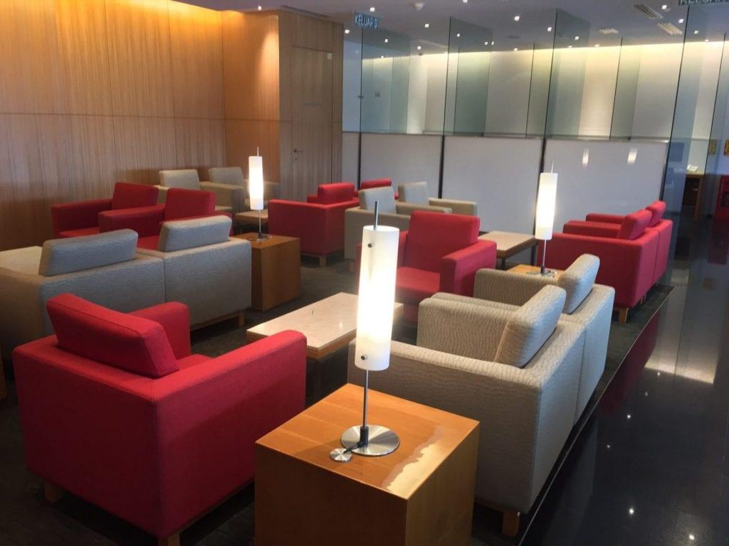 cathay-pacific-lounge-kuala-lumpur-sitzgelegenheiten-2