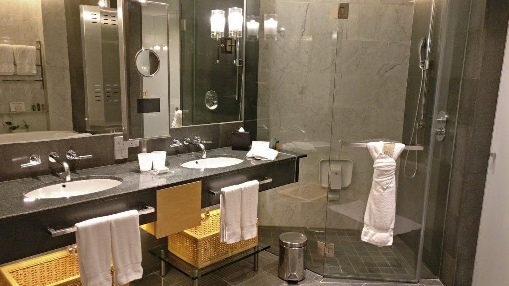 hilton-kuala-lumpur-executive-badezimmer-gross