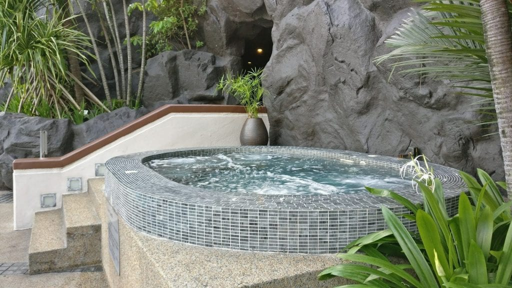 hilton-kuala-lumpur-spa-whirlpool