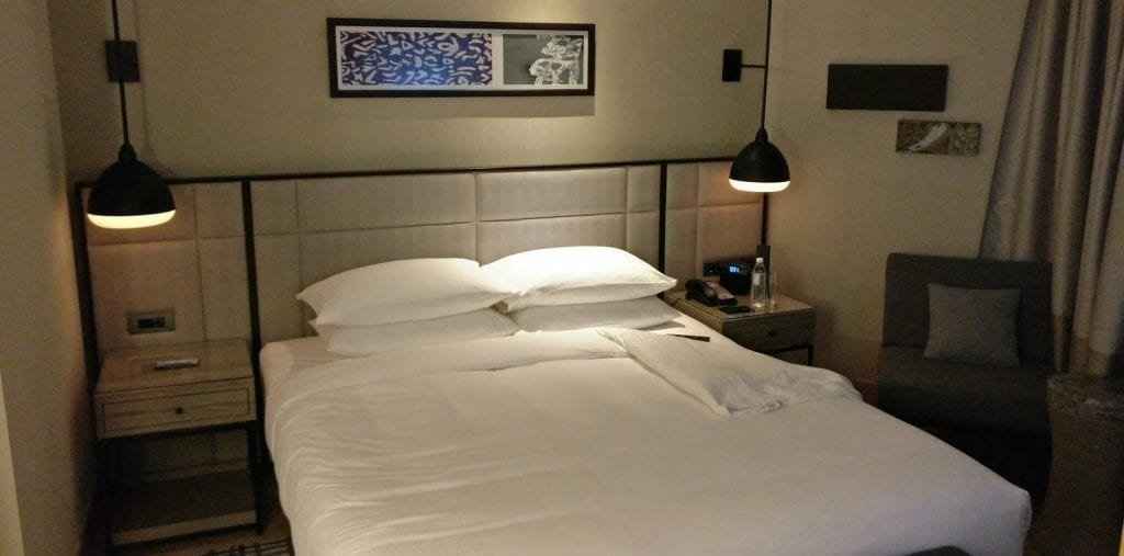 hilton-kuala-lumpur-executive-badezimmer-schlafzimmer