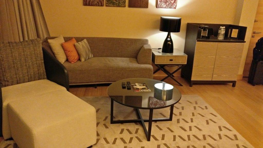 hilton-kuala-lumpur-executive-suite-wohnzimmer