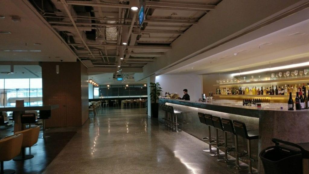 qantas-lounge-singapur-bar