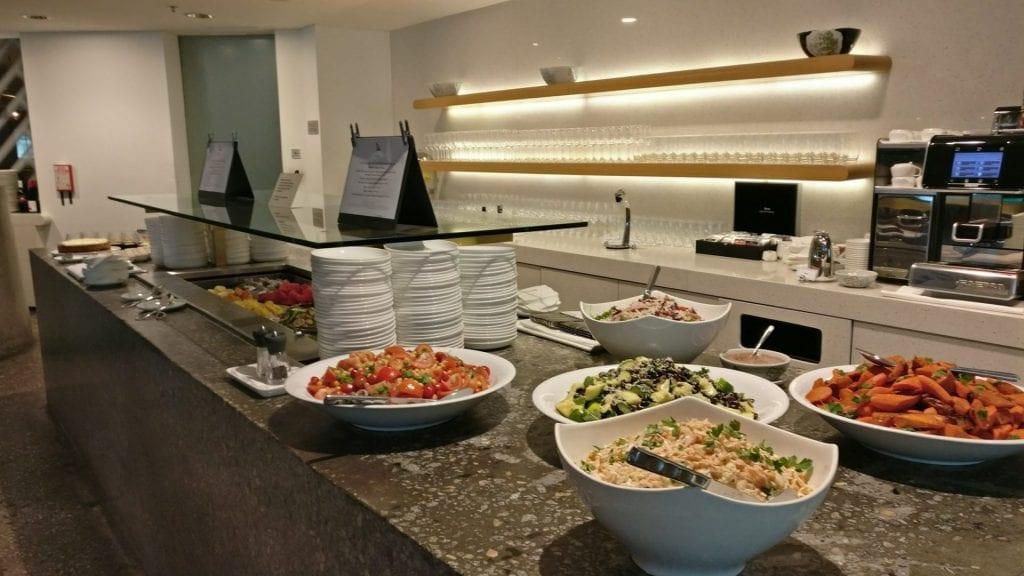 qantas-lounge-singapur-buffet-7