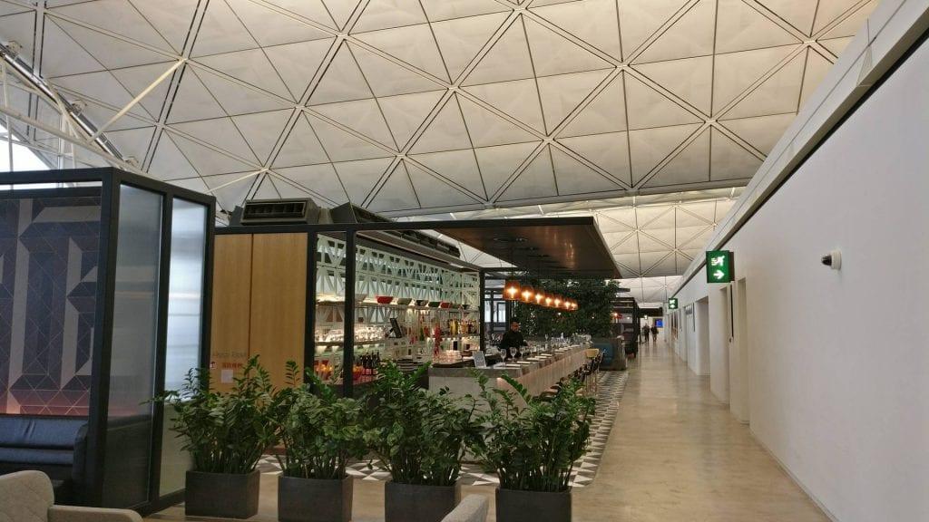 The Qantas Hong Kong Lounge Blick durch die Lounge