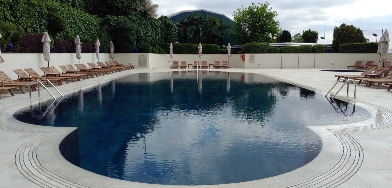 Conrad Istanbul Pool