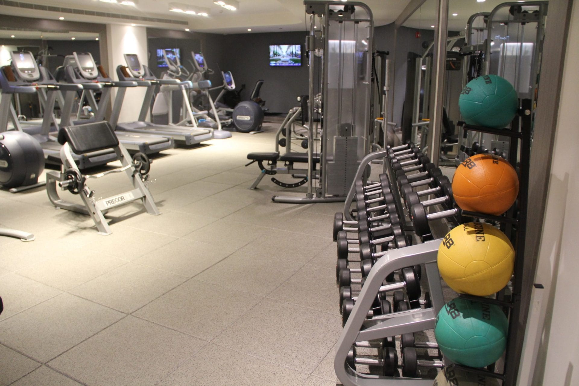 DoubleTree Doha Old Town Gym 4